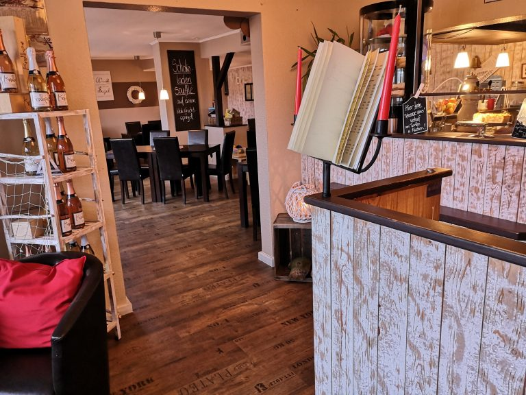 Durchgang - Restaurant Deichbär